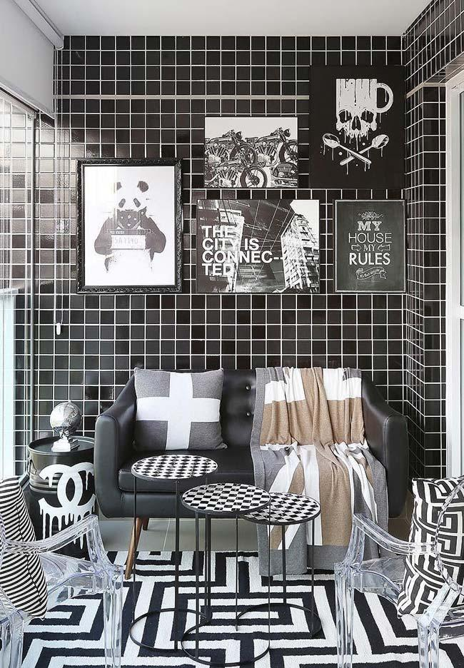 Black and white frame wall