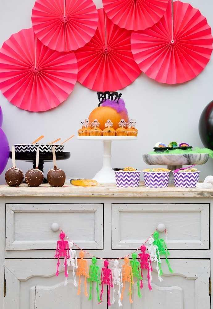 Festa Neon: 60 decorating ideas and photos of theme 42