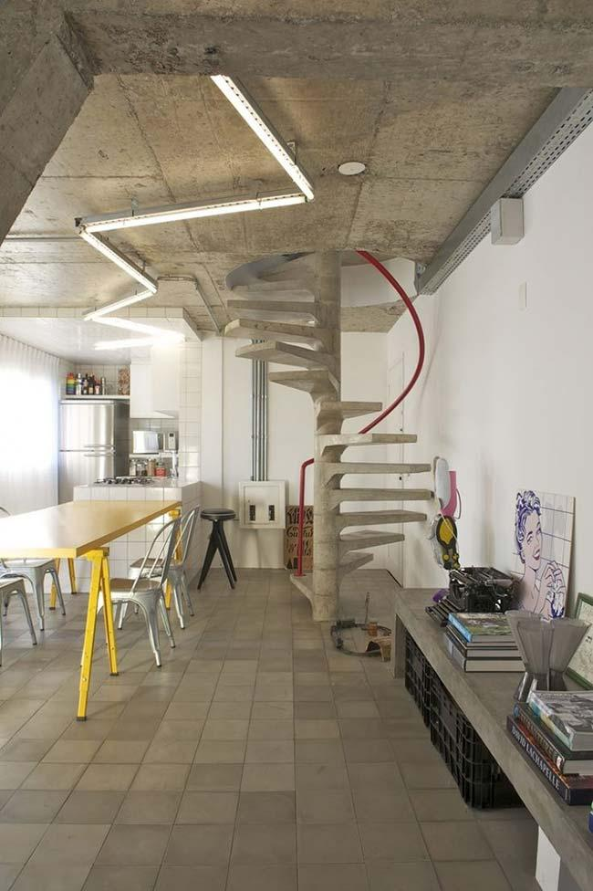 Concrete: the material chosen for the ladder