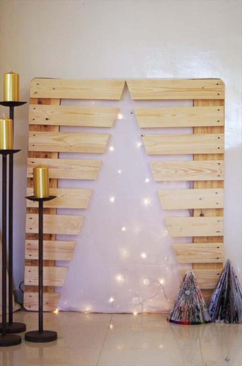 Creative Christmas tree using pallet wood