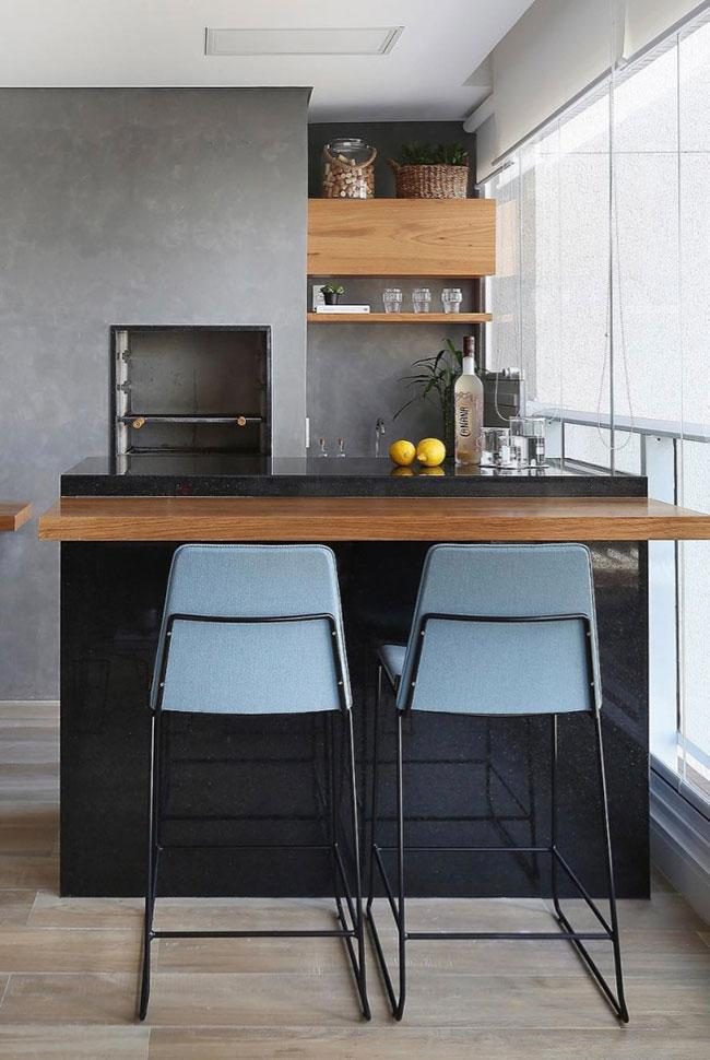 Counter with black granite and wood
