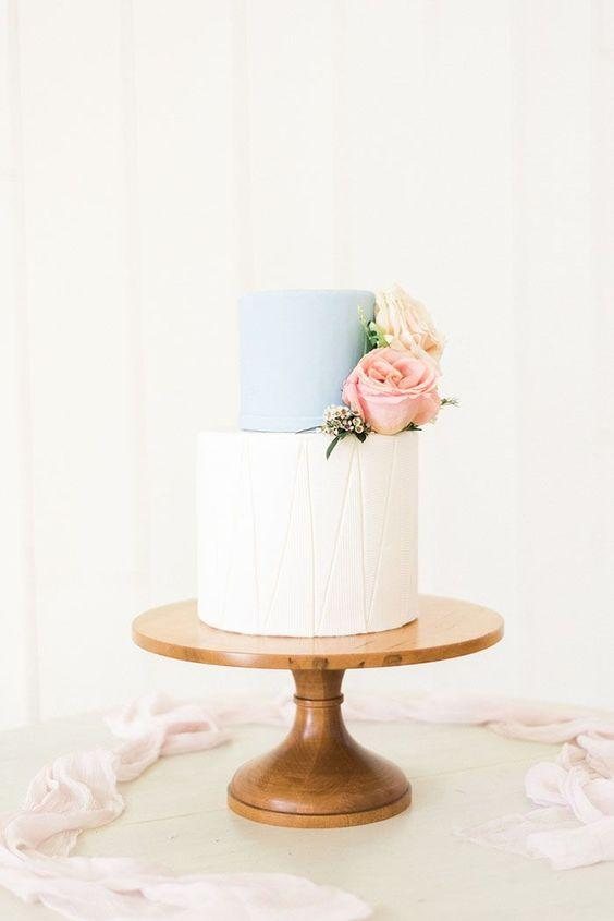 One white and one blue floor in simple wedding cake