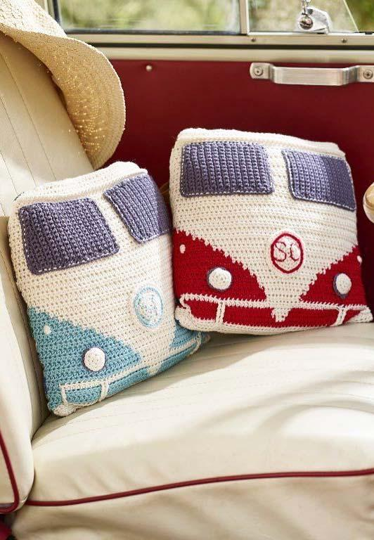 Combi crochet cushion cover with print