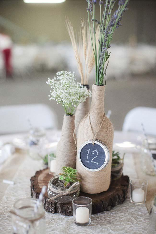 Rustic wedding table setting for you to copy and do the same.