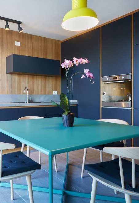 Kitchen: a place for a beautiful and delicate arrangement