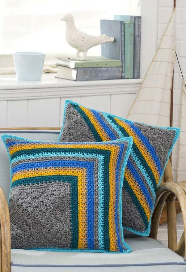 Vivid colors on the crocheted cushion cover