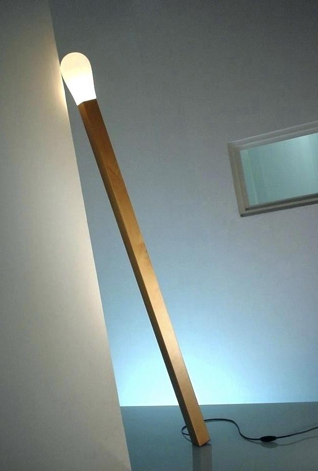 Wooden luminaire that refers to a match stick