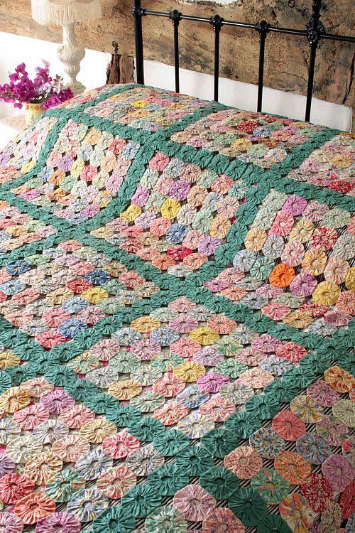 Double bedspread with green squares