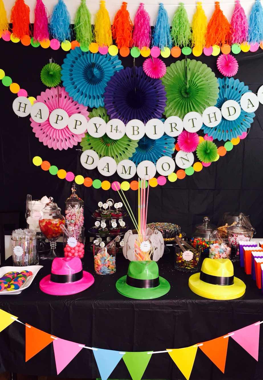 Festa Neon: 60 decorating ideas and photos of theme 24