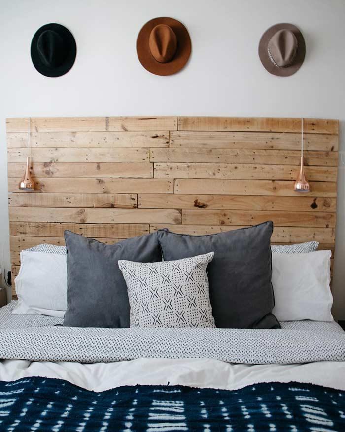 Pallet headboard: 60 creative ideas to use the item in the decoration 4