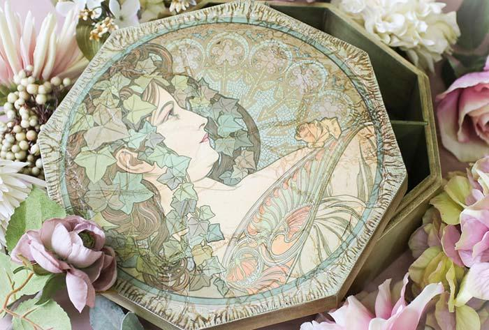 Decoupage on plate