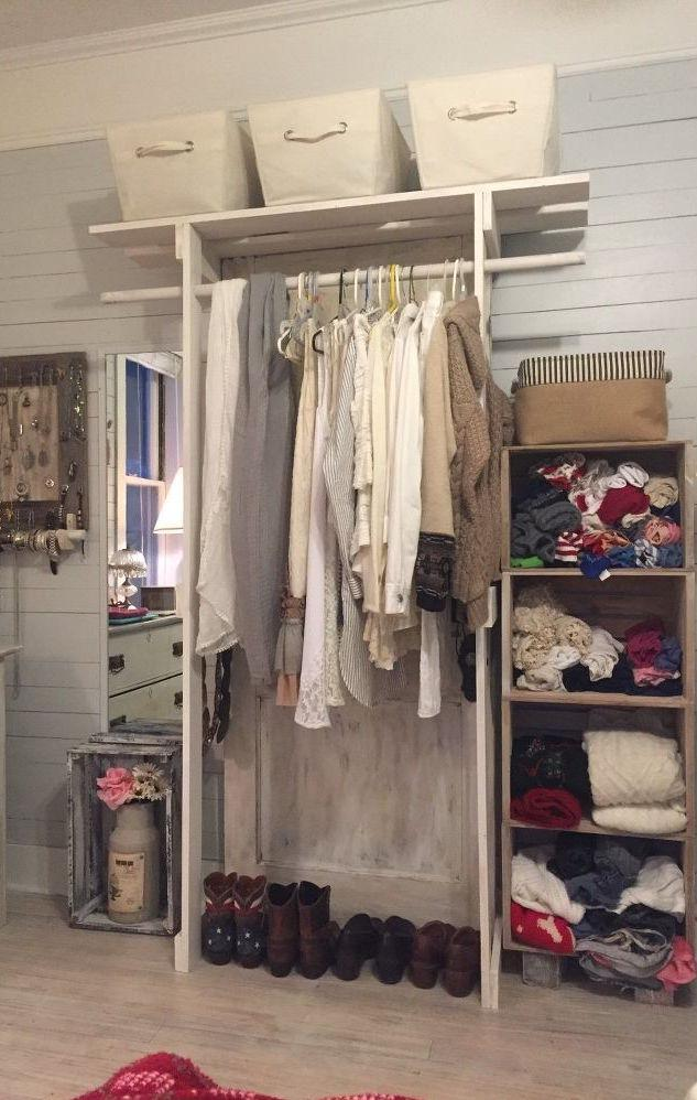 Higher pallet structure in the wardrobe