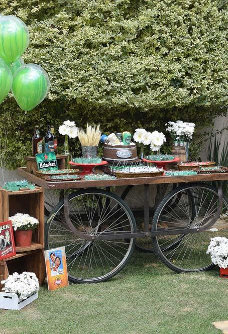 Table for party favors