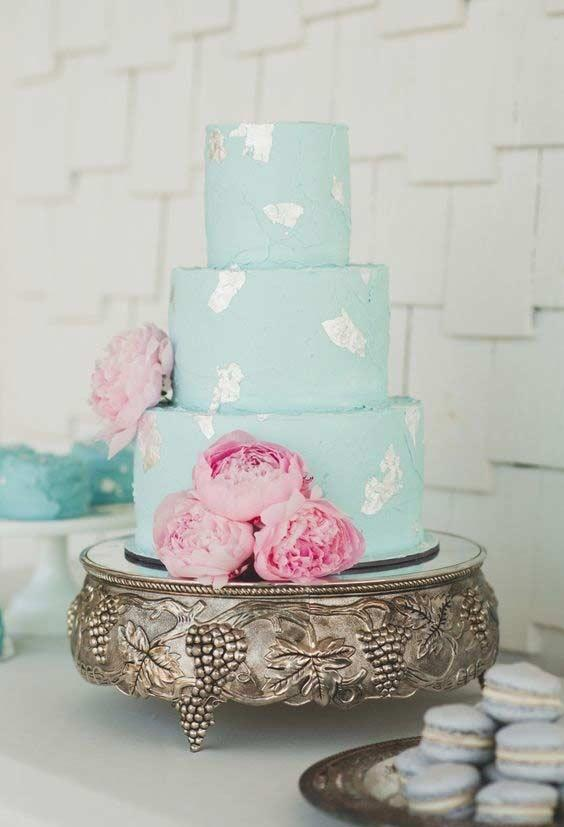 Tiffany blue cake with silver accents