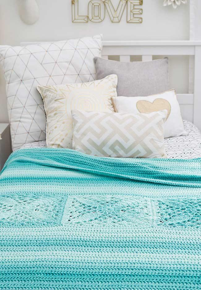 Crochet bedspread blue swimming pool for those who love the sea