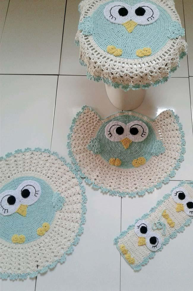 To fall in love: owls in soft blue tone