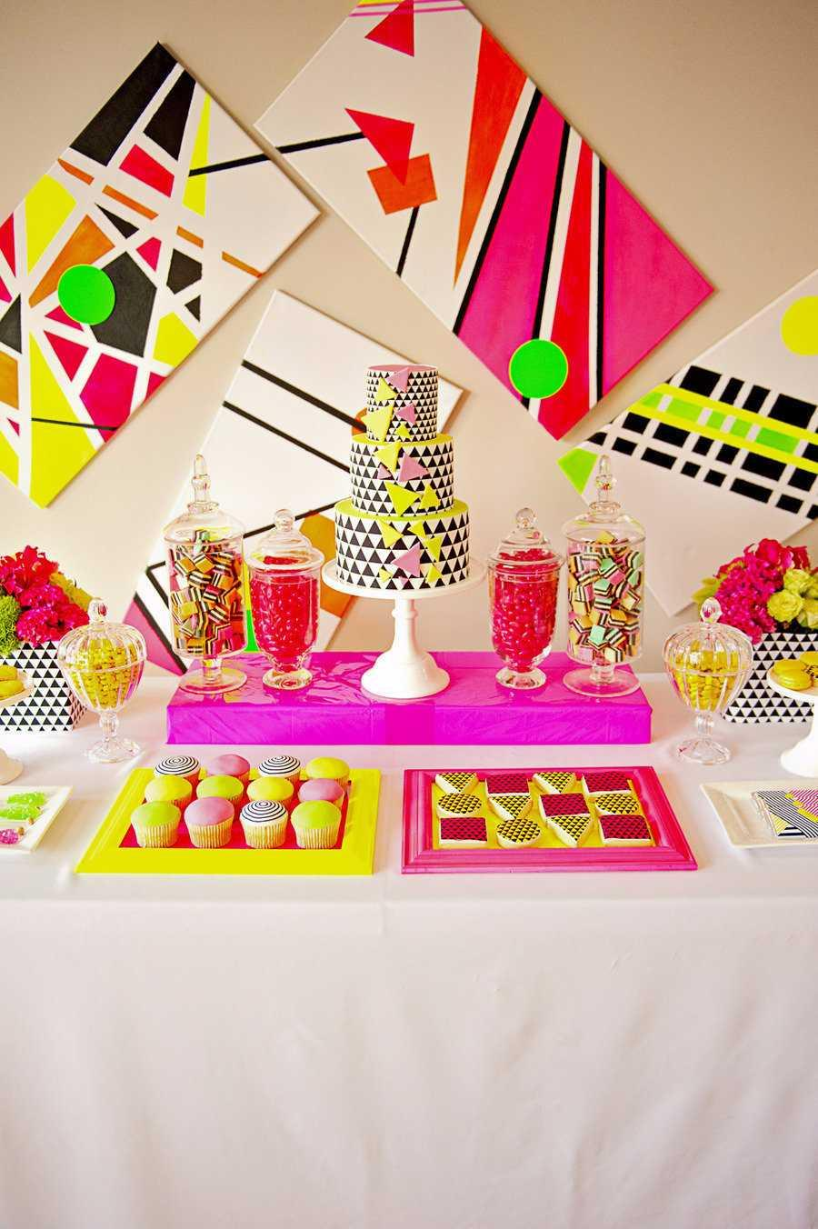 Festa Neon: 60 decorating ideas and theme 3 photos