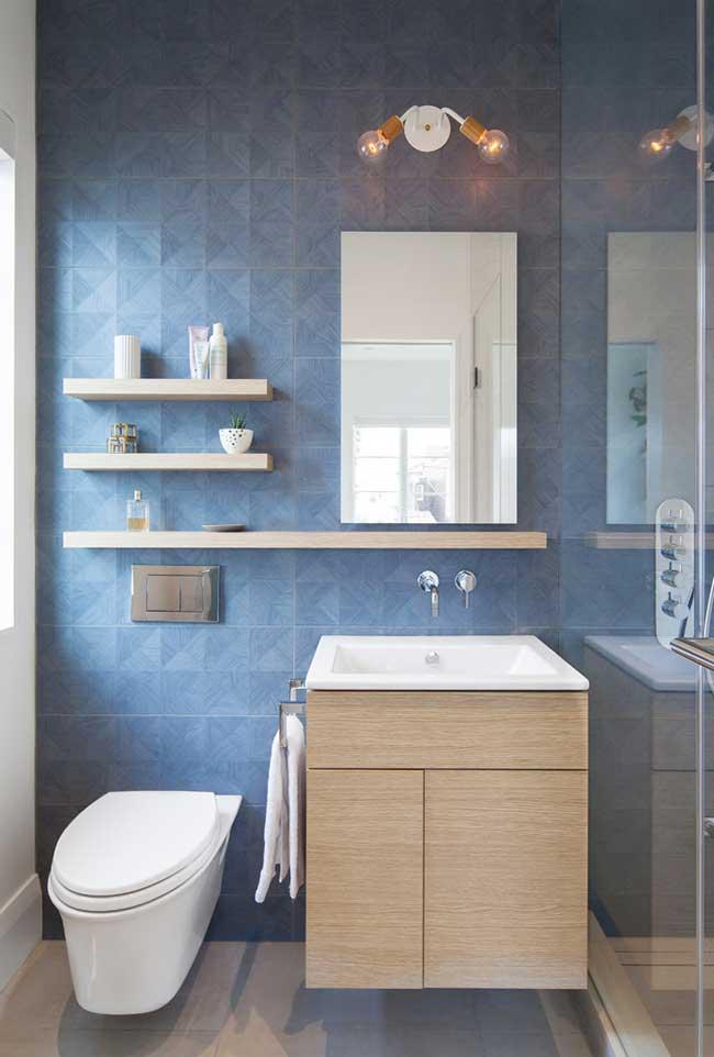 Blue as the highlight color for the bathroom
