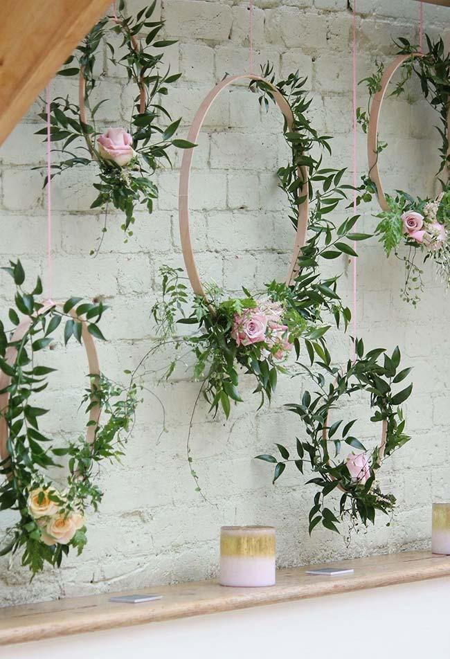 Flowery arches are on the rise in wedding decorations
