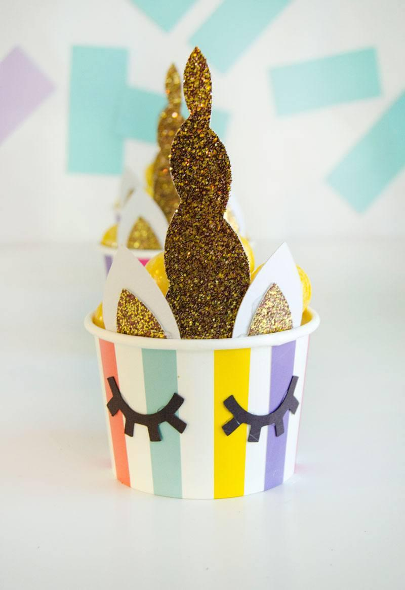 Unicorns with paper and glitter