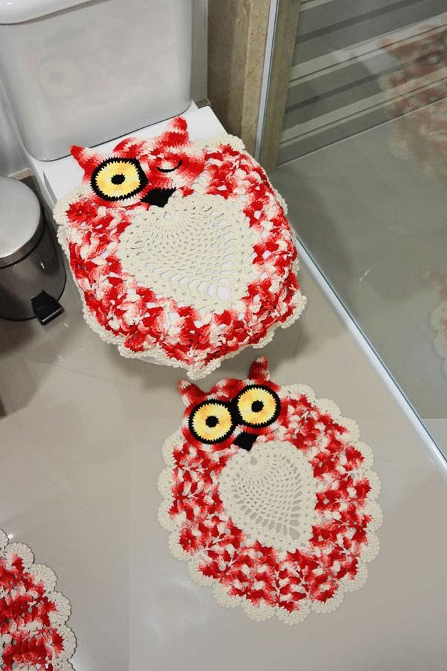 Owl bathroom game: give a wink?