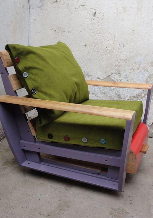 Pillows for pallet armchair