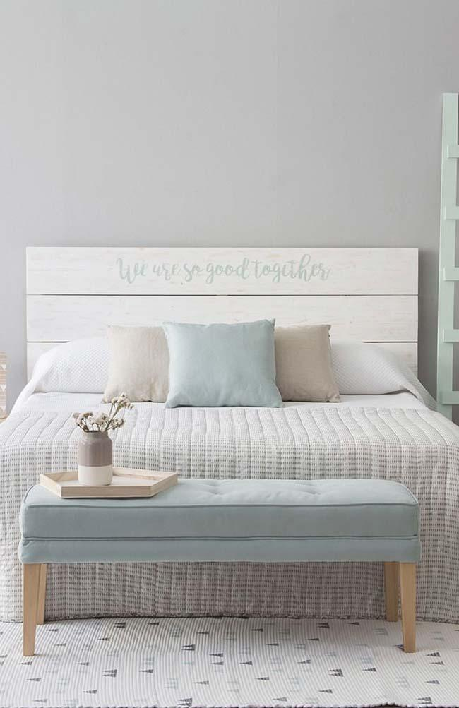 Headboard with pallets