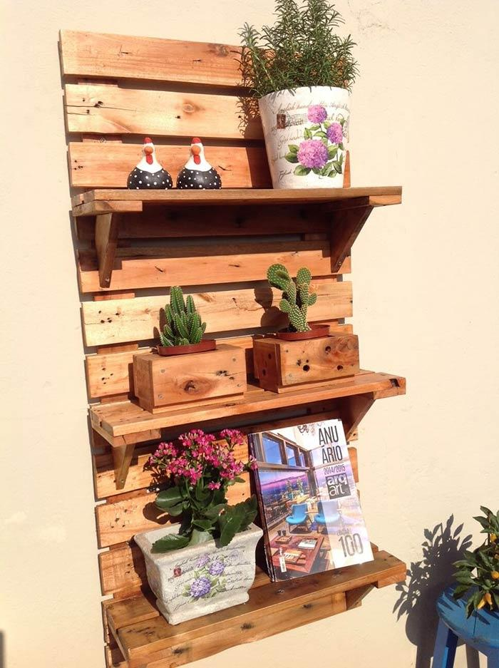 Support for decorative objects with pallet
