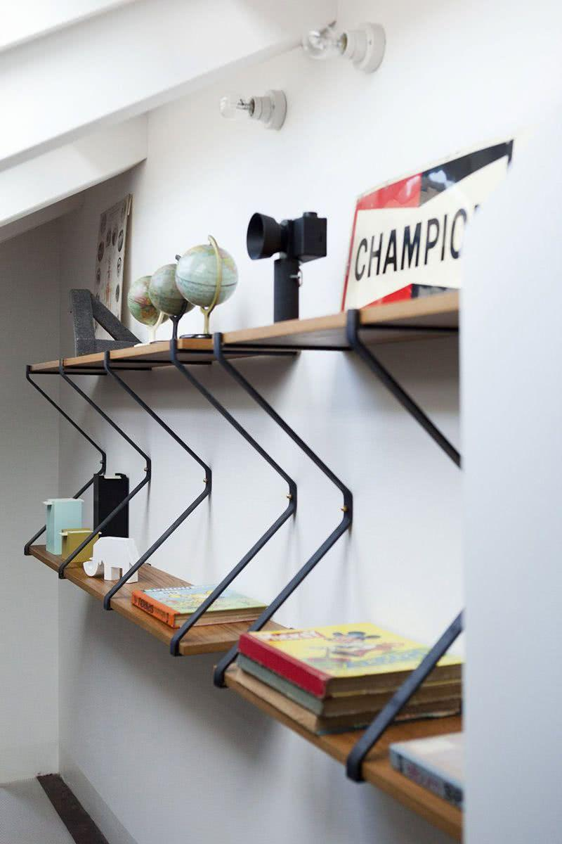 Creative Shelves: 60 Modern and Inspiring Solutions 10