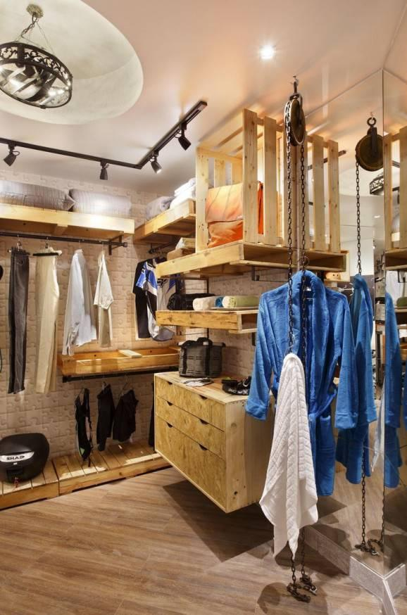 Male Closet with Clothes Storage Pallet