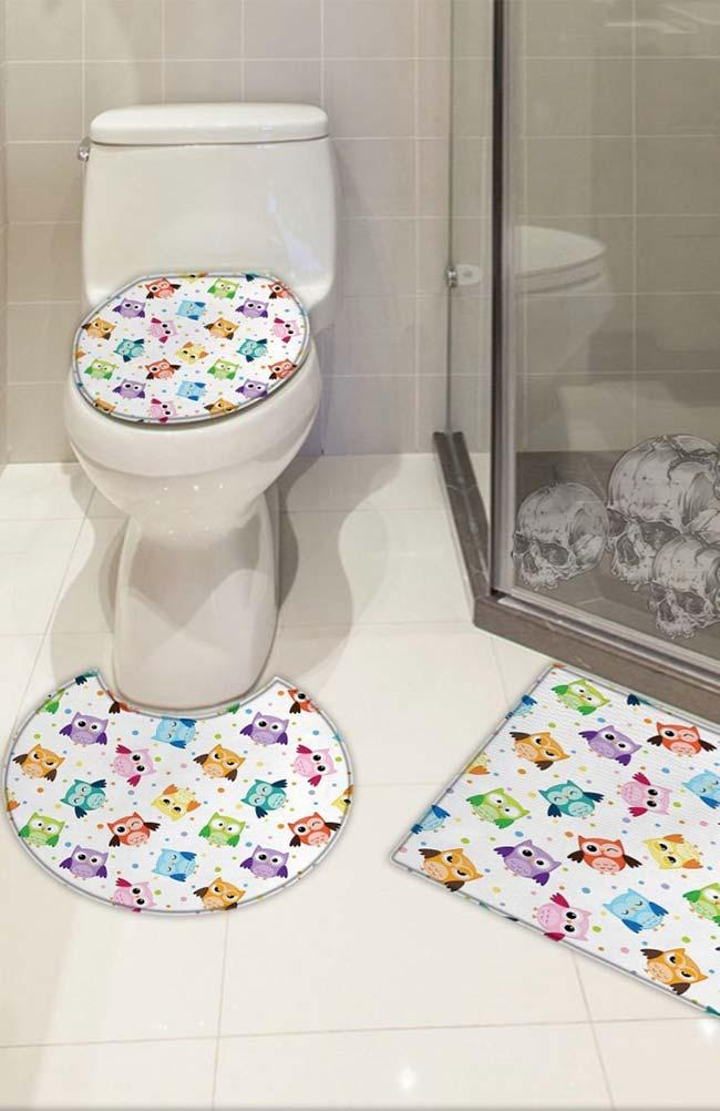 Bathroom set with colorful little owls