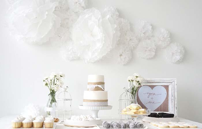 An all white decor to make the engagement party simple clean and delicate