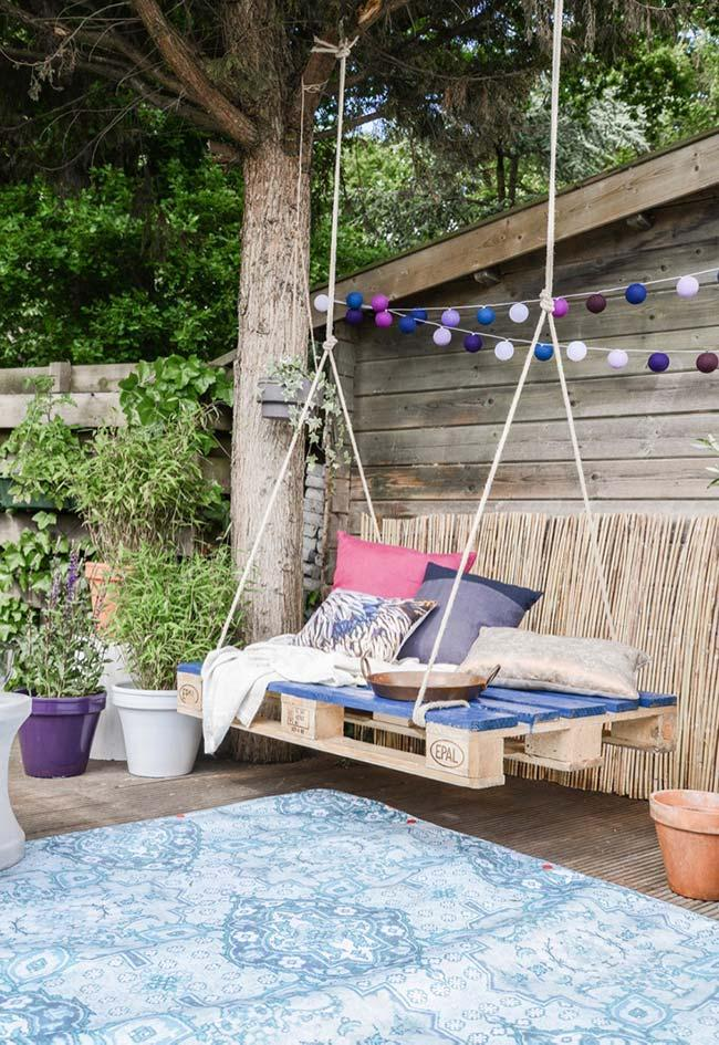 Rustic comfortable swing to the garden