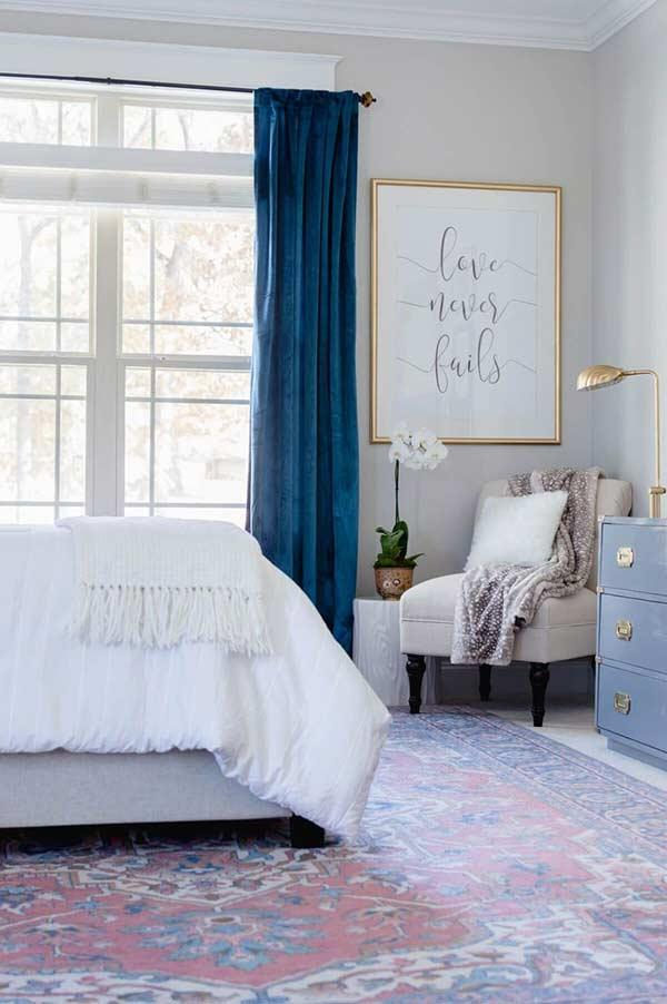 Much more charm for a feminine room with velvet fabric