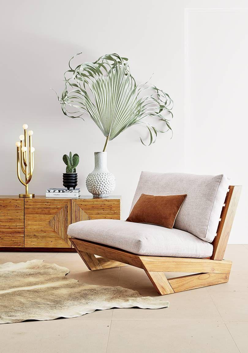 Pallet armchair with distinctive design