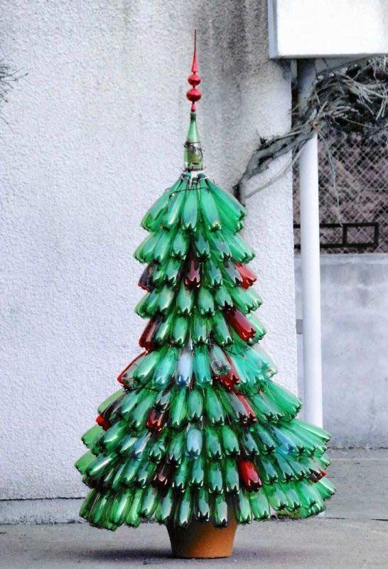 Bottles of other colors to highlight your tree