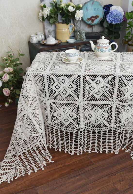 Crochet towel for a small tea table