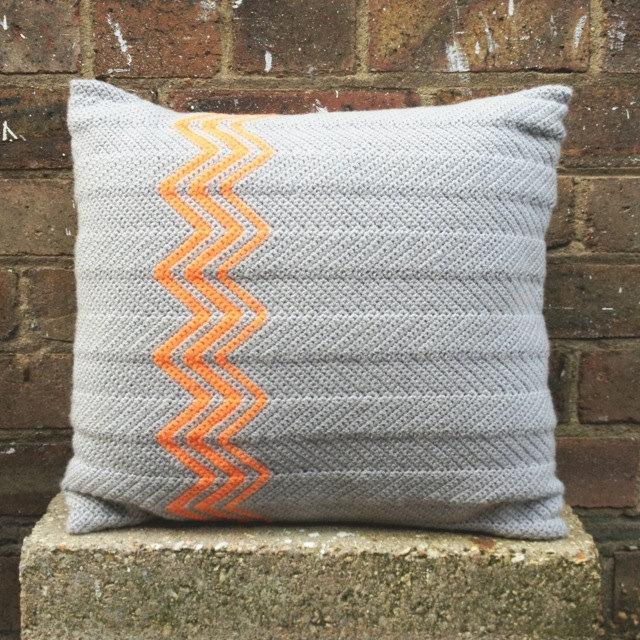 Cushion-of-croche-color-3